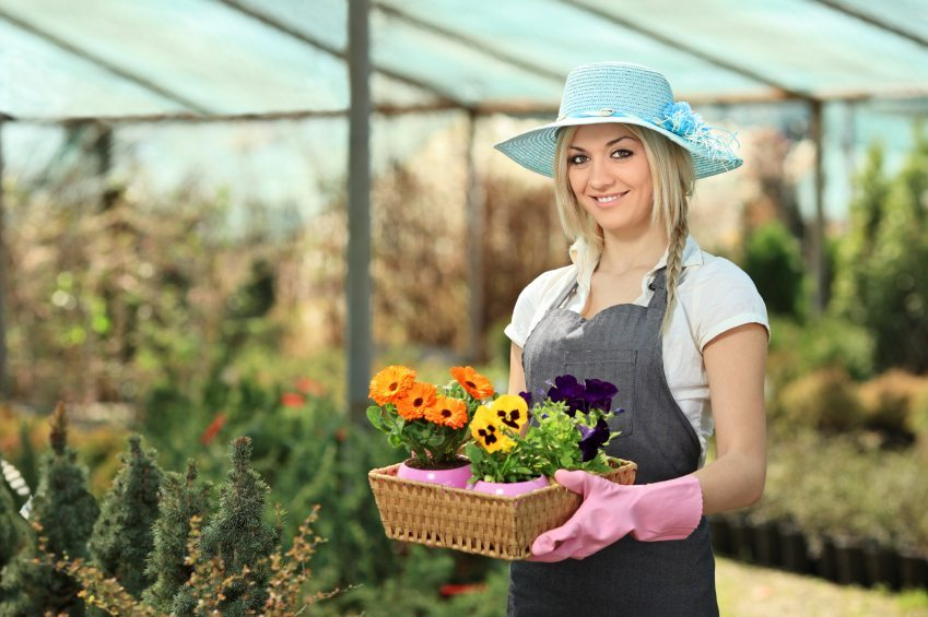 What Kind Of Garden Clothes Should You Have